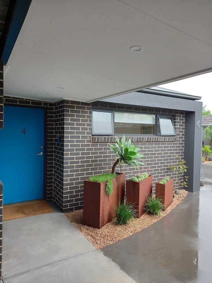 At Home Apartments - Studio 4