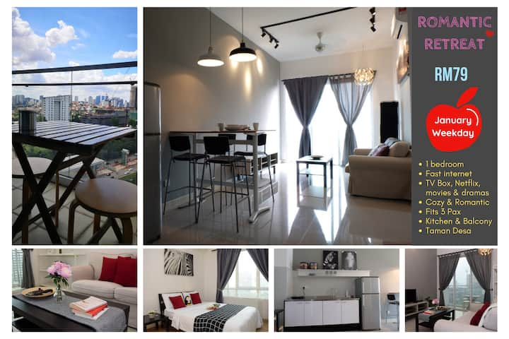 Romantic Home for Couples - 5 mins to Mid Valley