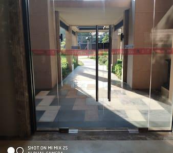 大堂入口宽敞无台阶