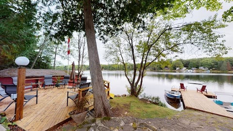Parkwood Cottage for Families-  Little Shadow Lake
