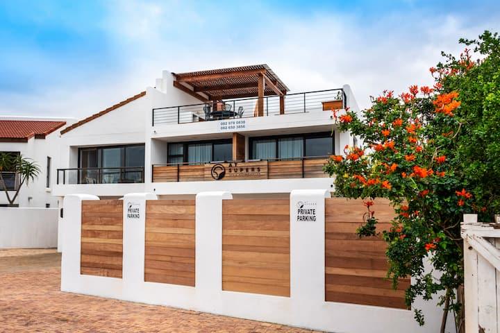 AtSupers Beachfront Luxury Room 3