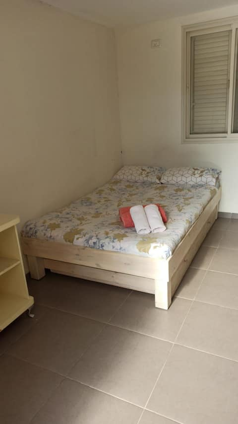 A nice seperate room in Kfar Tabor!