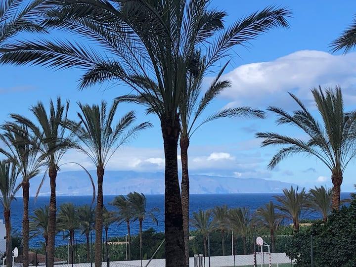 Piscine chauffée-mer montagne-belle terrasse-Wifi