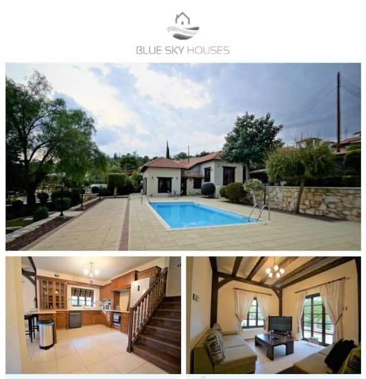 2 BED VILLA WITH PRIVATE POOL AND GARDEN  IN SOUNI