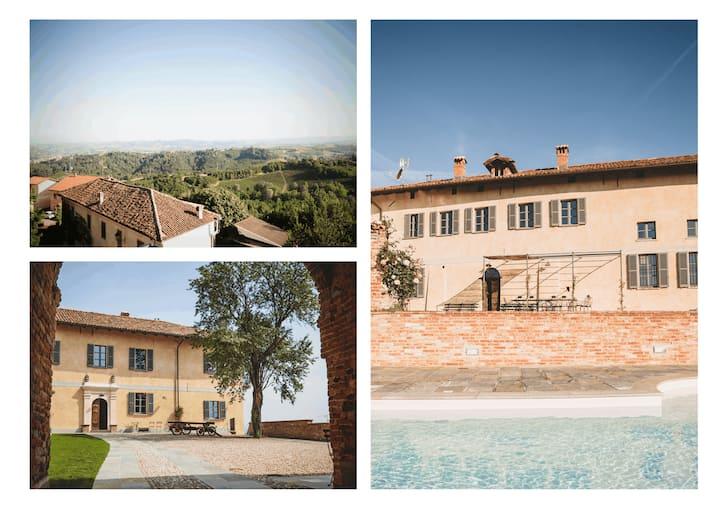 Villa w. pool in Piemonte, Asti