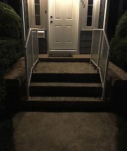 4 steps into both front and back doors.