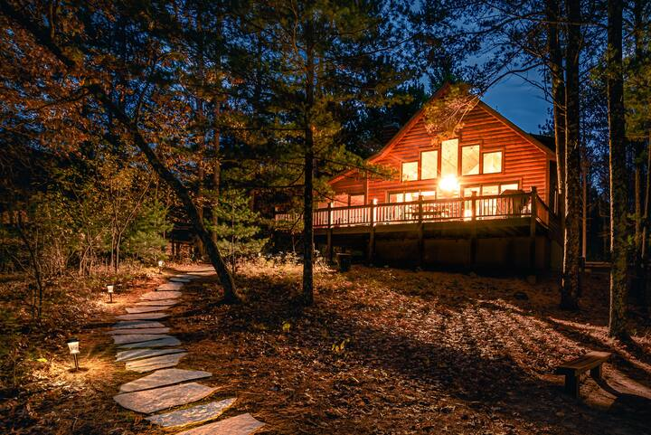 Whispering Pines Log Cabin WKND 2 nts w/3rd Free