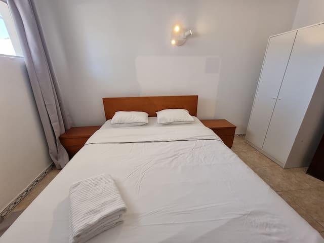 newly changed premium mattress / colchão premium trocado recentemente/ matelas premium récemment changé / colchón premium recientemente cambiado