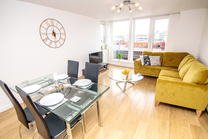 Queens Apartments | City Centre, Free Parking