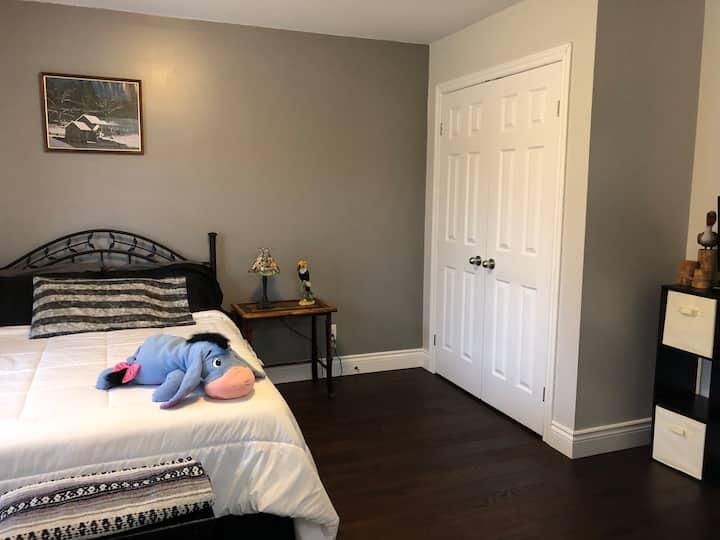 Rice Lake/Lakefront Main Floor Bedroom Rental
