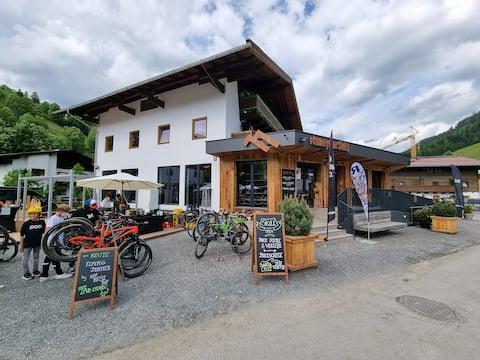 Hike & Bike Hostel No. 4 + 5 mit Jokercard