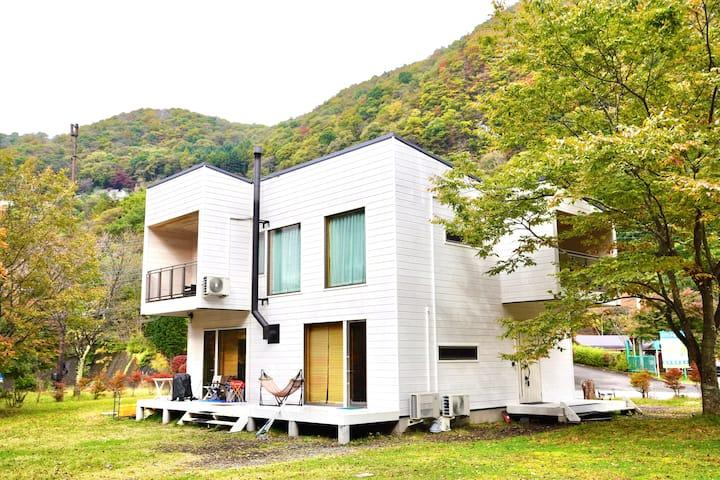 軽井沢ICから3分 新築フィンランドログ/ポーラーハウス南軽井沢1