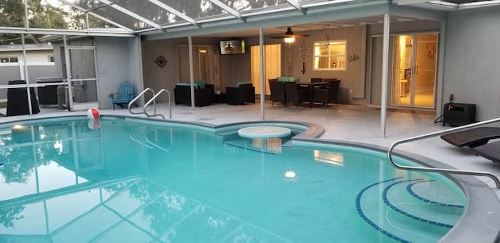 Heated Pool Home 5min away from Siesta Key