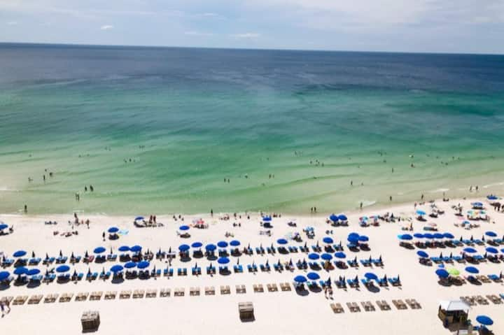 Views/Fun/Dining-Oceanfront Condo Near it All PCB