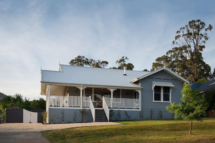 Newly renovated Luxury, Family Friendly Villa