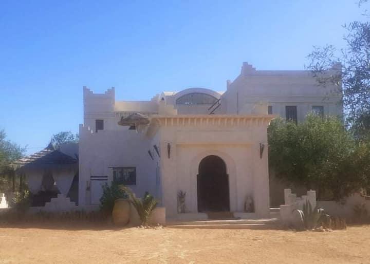 Authentique houch, menzel Djerbien avec piscine