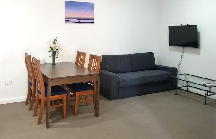 New 2BR Apartment near Flemington Market Station