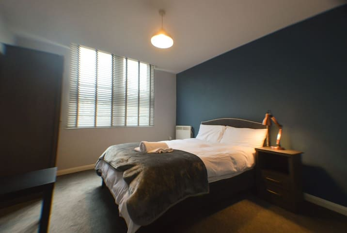Apt 4. Stylish Apartment in lovely listed building