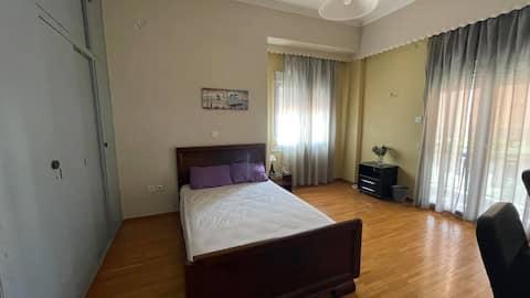 Spacious room close to the city center