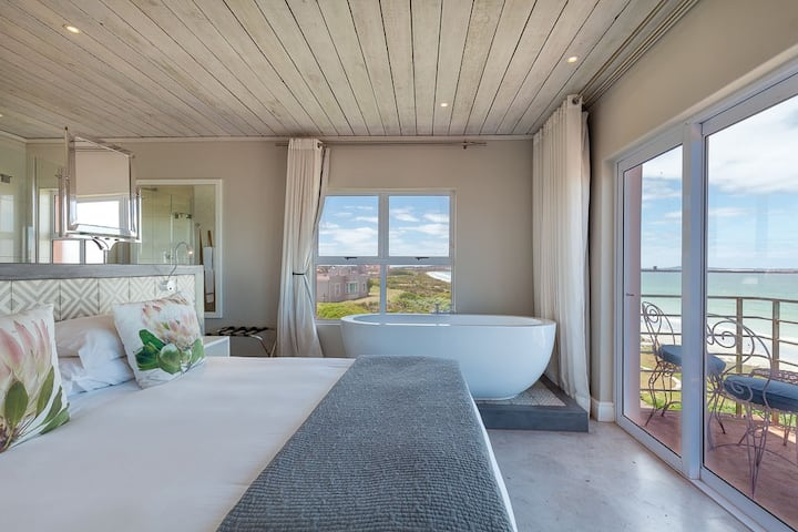 Blue Bay Lodge - Executive Room