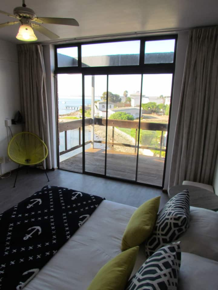 Double Room With Balcony @ Hoedjiesbaai Hotel