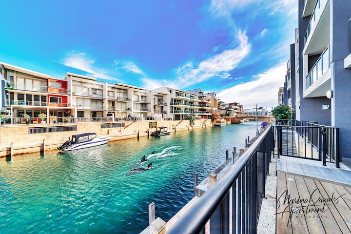 Dolphins at your balcony  ★6 ppl ★4 beds ★2 baths