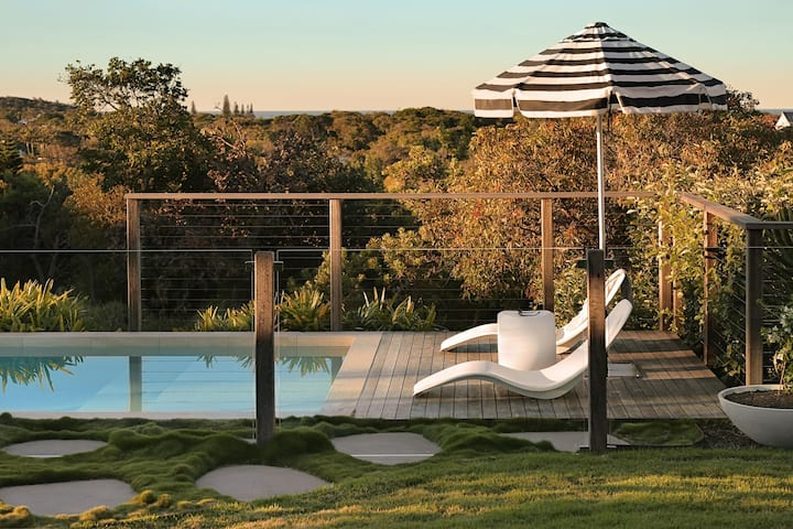 Helia House - Luxury Peregian Beach House Retreat