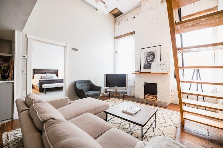 Uneeda Airbnb - Historic Charm Meets Modern Loft