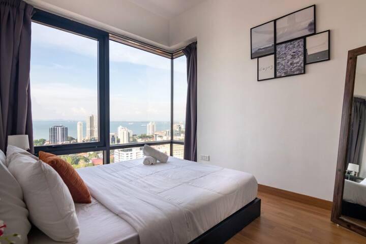 Bedroom 2 also overseeing the beautiful Penang heritage scene