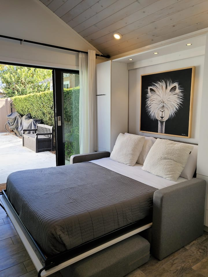 Guest Suite with Everything You Need