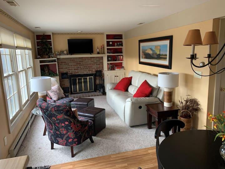 2 bdrm Cozy Home near amenities