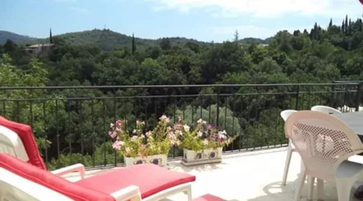GÎTE TERRASSES WIFI VUE PANORAMIQUE A ALBIERES!