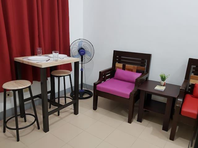 Cozy Apartment w/ 35Mbps Wifi - 15 min walk to BGC