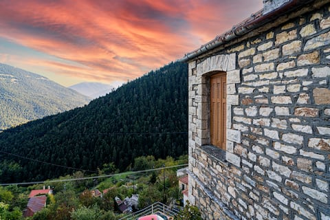🌲A stone maisonette with a mountain view🌲