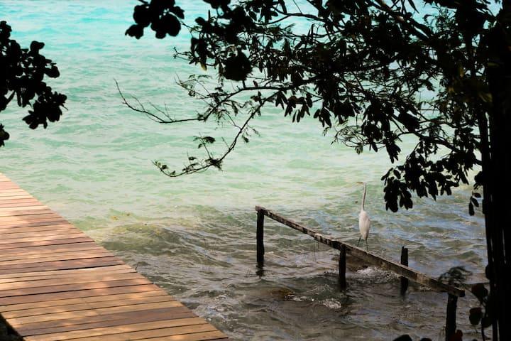Pucté Bacalar / •••• Kan / Lagoon front