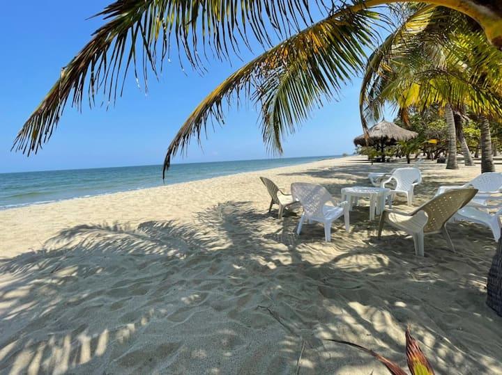 Cabaña Espaciosa&Comfort en Playa Privada Coveñas