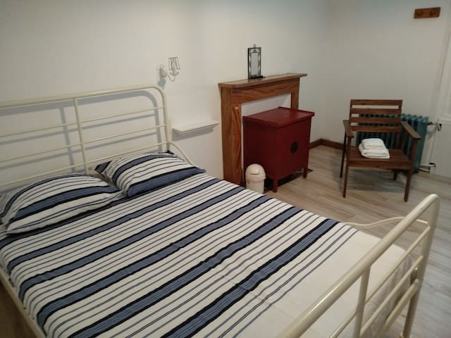 Chambre 1, lit double, première étage