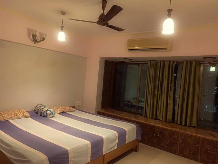 Paradise in Mumbai Home stay with Amazing View