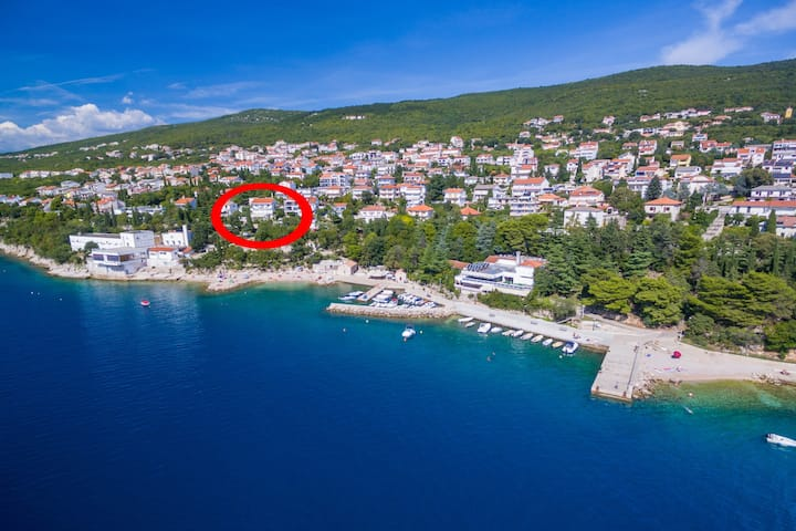 Studio apartment in Dramalj 50m to the beach