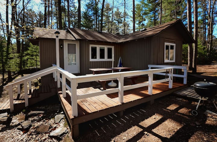 R Point of View Cabin