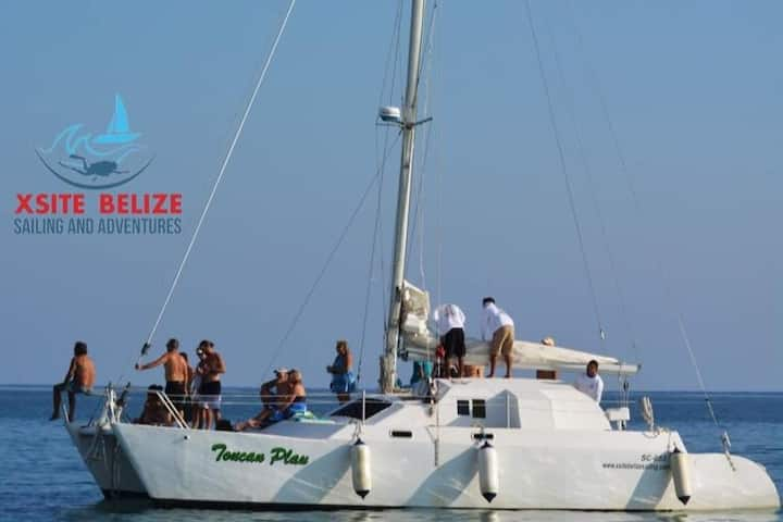 Sailing & Snorkeling Charters in Belize