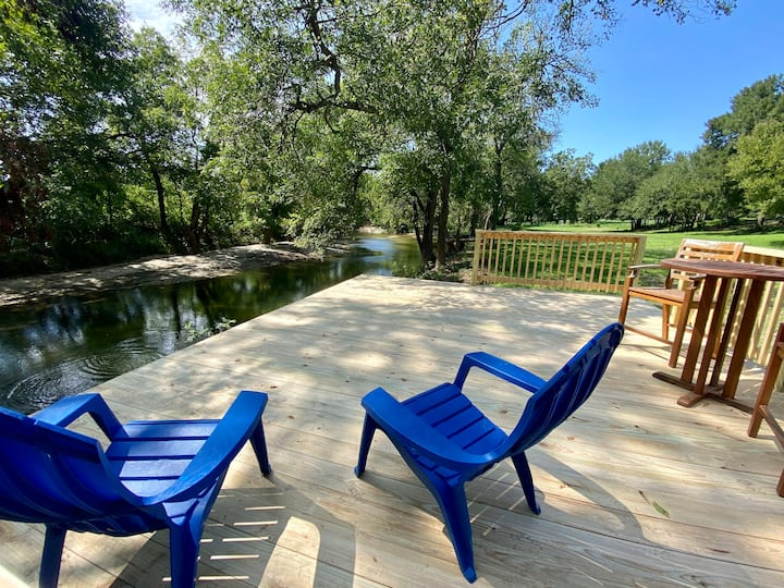 5 acre Retreat Waterfront!  Kayaks, Disc golf +++