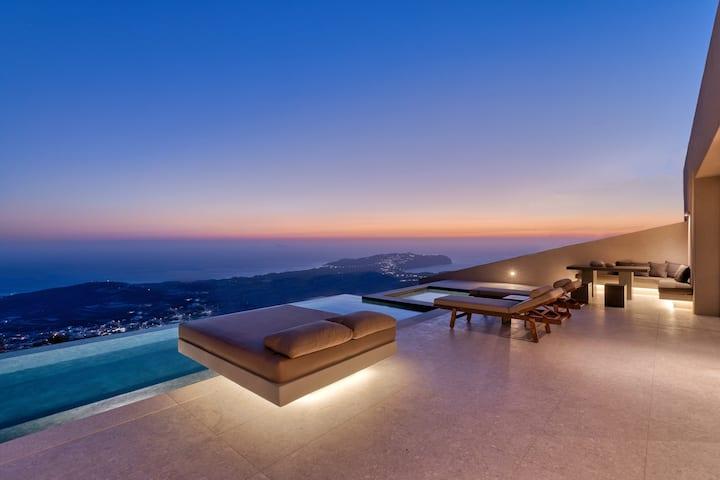 Santorini Sky | Master Villa *JUST OPENED*