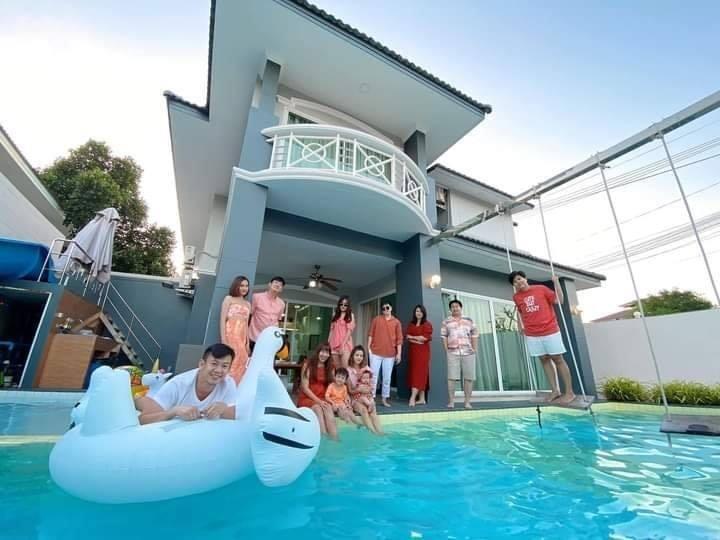 Seven Bedroom Jacuzzi Pool Villa 1km Jomtien beach