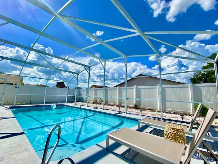Amazing Blue Private Pool • 4BR House Near Disney