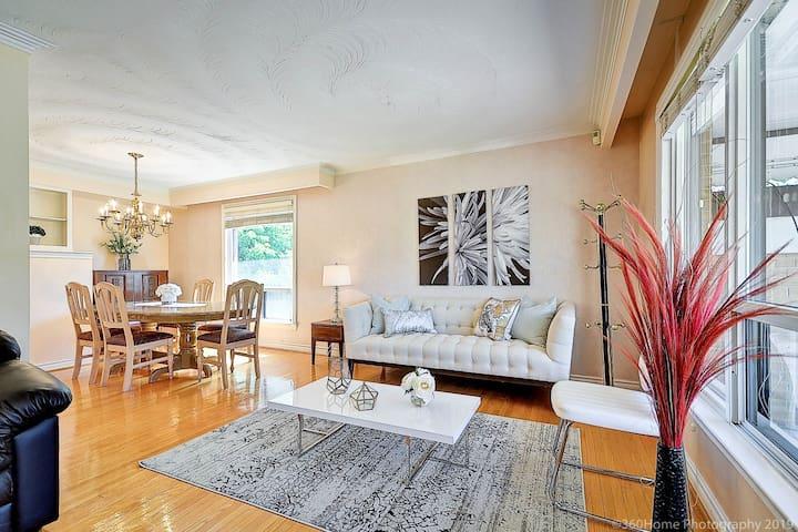 Whole Cozy 3 Bedroom Detach Home Luxury Location