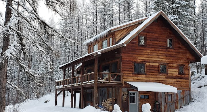 Cozy Mountain Cabin in Whitefish Montana
