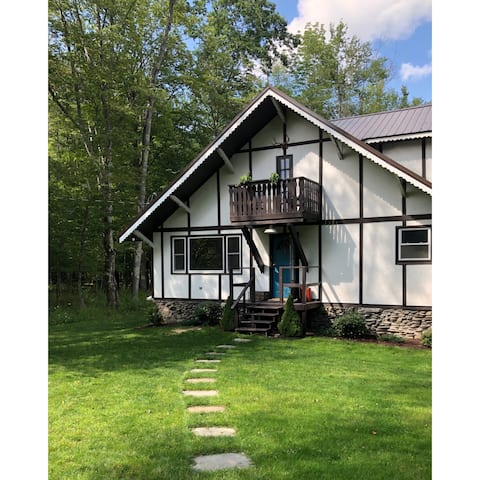 Upstate Ski Chalet: Catskill Cabin Getaway