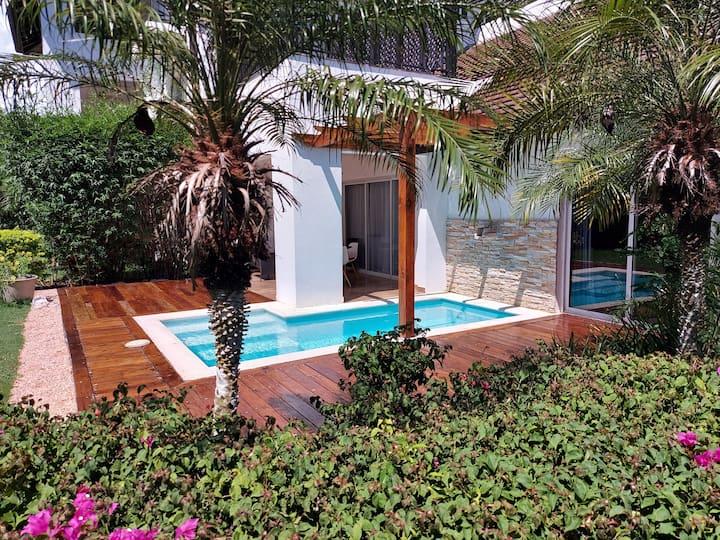 Casa del Lago 3 bed/3.5 bath w/private pool (#101)
