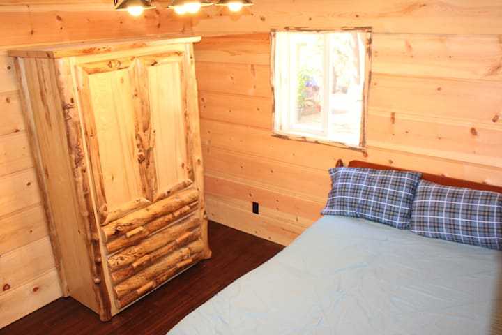 The Bunkhouse(Bunkbed coming soon)